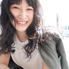 ストリート パーマ 前髪あり 黒髪 ヘアスタイルや髪型の写真・画像