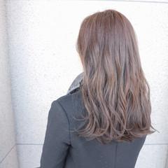 ブルージュ 上品 アッシュグレージュ アッシュ ヘアスタイルや髪型の写真・画像