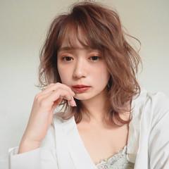 ミディアム おフェロ ゆるふわパーマ モテ髪 ヘアスタイルや髪型の写真・画像