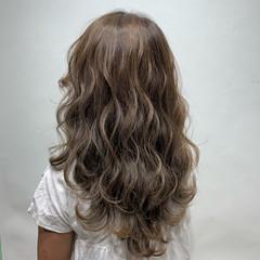 ミルクティーベージュ ハイライト ベージュ 春ヘア ヘアスタイルや髪型の写真・画像