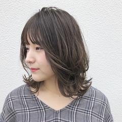 簡単ヘアアレンジ ウェーブ ナチュラル パーティ ヘアスタイルや髪型の写真・画像