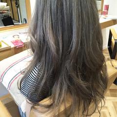 ロング ゆるふわ ハイライト グレージュ ヘアスタイルや髪型の写真・画像