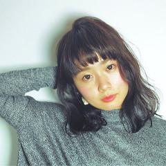 大人女子 外国人風 黒髪 ナチュラル ヘアスタイルや髪型の写真・画像