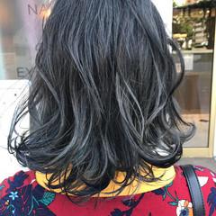 アッシュ ミディアム グレージュ 大人かわいい ヘアスタイルや髪型の写真・画像