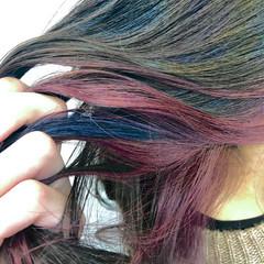 ガーリー インナーカラーレッド 派手髪 ミディアム ヘアスタイルや髪型の写真・画像