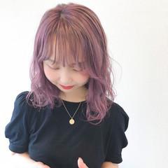 ハイトーンカラー ラベンダーピンク ハイトーン ミディアム ヘアスタイルや髪型の写真・画像