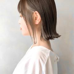 エレガント ミニボブ インナーカラー 切りっぱなしボブ ヘアスタイルや髪型の写真・画像