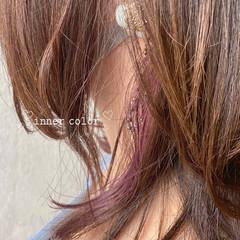 イヤリングカラー ミディアム インナーカラー インナーカラーパープル ヘアスタイルや髪型の写真・画像