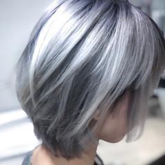 ショート ハイトーン ブリーチ ハイトーンカラー ヘアスタイルや髪型の写真・画像