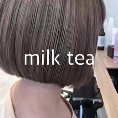 ナチュラル ミニボブ ミルクティーベージュ ショートヘア ヘアスタイルや髪型の写真・画像