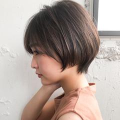 ナチュラル ショート ショートボブ シースルーバング ヘアスタイルや髪型の写真・画像