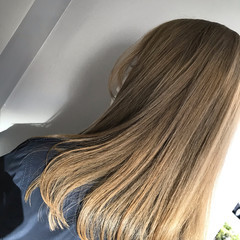 ミルクティーグレージュ ナチュラル 外国人風カラー ハイトーンカラー ヘアスタイルや髪型の写真・画像