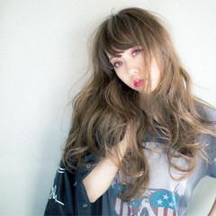 ゆるふわ グラデーションカラー アッシュ ロング ヘアスタイルや髪型の写真・画像