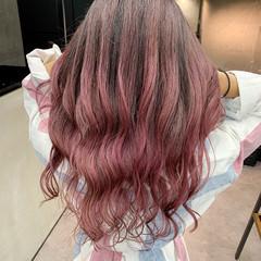 秋冬スタイル ピンクアッシュ エアータッチ ロング ヘアスタイルや髪型の写真・画像