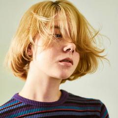ナチュラル 巻き髪 ショートボブ ボブ ヘアスタイルや髪型の写真・画像