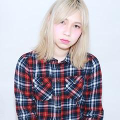 ミディアム 金髪 外国人風 ナチュラル ヘアスタイルや髪型の写真・画像