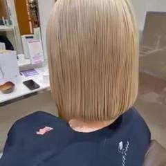 ナチュラル ボブ ホワイトカラー デザインカラー ヘアスタイルや髪型の写真・画像