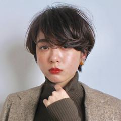 パーマ 黒髪 ナチュラル ショート ヘアスタイルや髪型の写真・画像