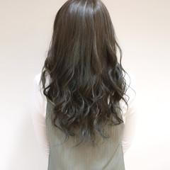 フェミニン ハイライト ロング 外国人風 ヘアスタイルや髪型の写真・画像