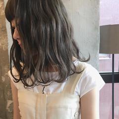 ウェーブ アンニュイ ナチュラル 女子会 ヘアスタイルや髪型の写真・画像