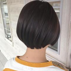 ボブ ショートヘア 切りっぱなしボブ ナチュラル ヘアスタイルや髪型の写真・画像