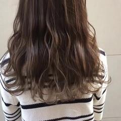 外国人風カラー グラデーションカラー ロング ナチュラル ヘアスタイルや髪型の写真・画像
