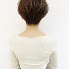 マッシュショート ナチュラル ハンサムショート 大人可愛い ヘアスタイルや髪型の写真・画像