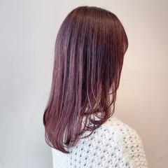 ピンクブラウン セミロング ナチュラル ベリーピンク ヘアスタイルや髪型の写真・画像