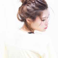 お団子 ショート メッシーバン セミロング ヘアスタイルや髪型の写真・画像