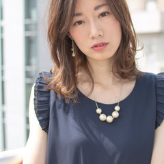 ミディアム オフィス デート 大人かわいい ヘアスタイルや髪型の写真・画像