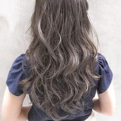 グラデーションカラー ハイライト アッシュ ロング ヘアスタイルや髪型の写真・画像
