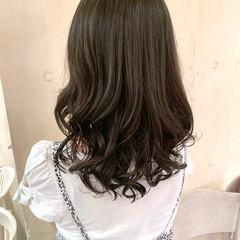 ヨシンモリ レイヤーカット ナチュラル ゆるふわパーマ ヘアスタイルや髪型の写真・画像