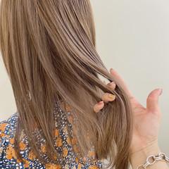 セミロング ナチュラル 透明感カラー ラベンダーアッシュ ヘアスタイルや髪型の写真・画像