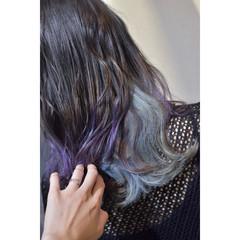 インナーカラー グラデーションカラー モード セミロング ヘアスタイルや髪型の写真・画像