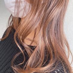 フェミニン セミロング ピンクブラウン ヘアスタイルや髪型の写真・画像