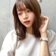ミディアム デジタルパーマ 透明感カラー 鎖骨ミディアム ヘアスタイルや髪型の写真・画像