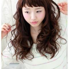 フェミニン ゆるふわ ストリート オン眉 ヘアスタイルや髪型の写真・画像