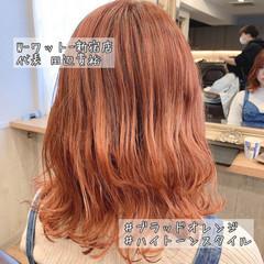 ミディアム ミルクティーベージュ アプリコットオレンジ オレンジベージュ ヘアスタイルや髪型の写真・画像