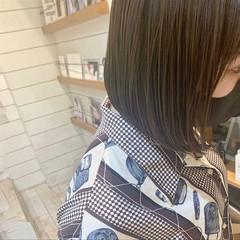 グレージュ ハイライト ナチュラル グレーベージュ ヘアスタイルや髪型の写真・画像