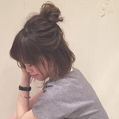 女子会 お団子 リラックス ゆるふわ ヘアスタイルや髪型の写真・画像