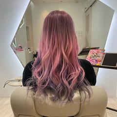 エレガント セミロング ハイトーンカラー ベリーピンク ヘアスタイルや髪型の写真・画像