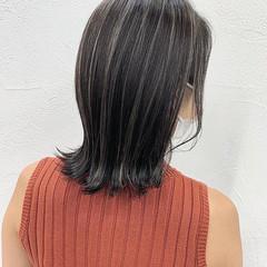 グレージュ ハイライト コンサバ ミディアム ヘアスタイルや髪型の写真・画像