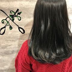 フェミニン ロング イルミナカラー ヘアスタイルや髪型の写真・画像