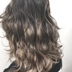 ブリーチ ハイライト セミロング ストリート ヘアスタイルや髪型の写真・画像