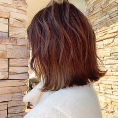 ブリーチ 切りっぱなしボブ 外ハネボブ バレイヤージュ ヘアスタイルや髪型の写真・画像
