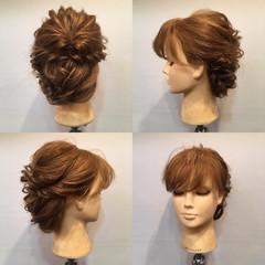 フェミニン ねじり セミロング ヘアアレンジ ヘアスタイルや髪型の写真・画像