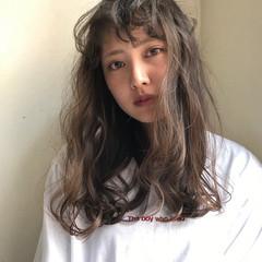 外国人風 パーマ ウェーブ ナチュラル ヘアスタイルや髪型の写真・画像