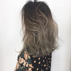 ナチュラル グラデーションカラー ロブ ブリーチ ヘアスタイルや髪型の写真・画像