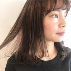 前髪あり ナチュラル レイヤーカット 透明感 ヘアスタイルや髪型の写真・画像