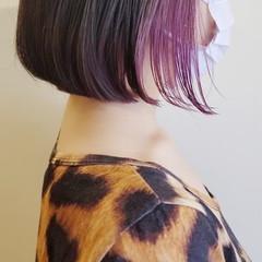 インナーカラーパープル バイオレットカラー ボブ ストリート ヘアスタイルや髪型の写真・画像